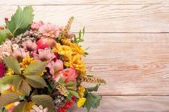 Bouquet étonnant d'automne avec des baies Photos libres de droits