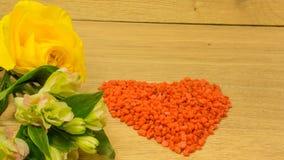 Bouquet avec les fleurs jaunes Photographie stock libre de droits