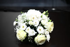 Bouquet blanc de roses Photo libre de droits