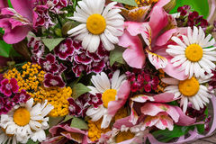 Bouquet coloré de ressort des fleurs Fond Images stock