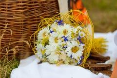 Bouquet de belles fleurs avec le copyspace images stock