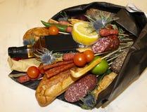 Bouquet de croissant et de différentes saucisses Image libre de droits