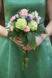 Bouquet de demoiselle d'honneur photographie stock libre de droits
