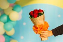 Bouquet de félicitation de fleurs Photos libres de droits