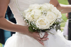 Bouquet de fixation de mariée des fleurs Image stock