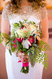 Bouquet de fixation de mariée des fleurs Image libre de droits