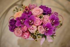 Bouquet de fleur de mélange de rose de palette de rose de Violette Photo stock