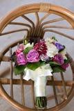 Bouquet de luxe de mariage Le concept du mariage et de l'amour accessoires pour juste le plan rapproché marié de cérémonie Fleurs Photos stock