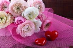 Bouquet de mariage avec des coeurs photographie stock