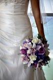 Bouquet de mariage avec des orchidées et des roses Image libre de droits