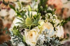 Bouquet de mariage dans le vase Photos libres de droits