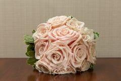 Bouquet de mariage de belles roses Photos libres de droits