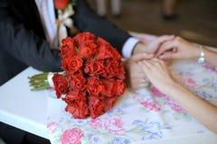 Bouquet de mariage de Rose rouge Photos libres de droits