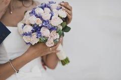 Bouquet de mariage en cours de célébration Photographie stock libre de droits