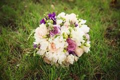 Bouquet de mariage Fleurs du ` s de jeune mariée Photos libres de droits
