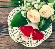 Bouquet de mariage, fond Photos libres de droits