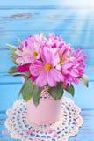 Bouquet des fleurs de cosmos Images libres de droits