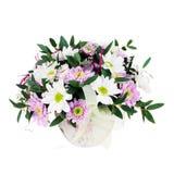 Bouquet des fleurs de Gerbera dans le vase d'isolement sur le fond blanc Images libres de droits