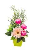 Bouquet des fleurs en plastique Fleurs en plastique réglées sur le backgro blanc Photos stock
