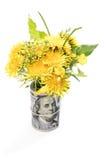 Bouquet des fleurs par paquet d'argent Photographie stock