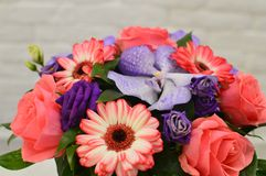 Bouquet des fleurs pendant un jour de mère photo stock