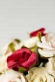 Bouquet des fleurs sur le blanc Image stock