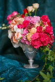 Bouquet des oeillets et des roses Images libres de droits