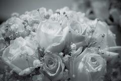 Bouquet des roses aux nuances de noir et blanc Images libres de droits