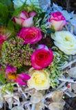 Bouquet des roses Beau fond de fleurs pour épouser la scène Image stock