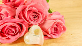 Bouquet des roses et des tulipes Image libre de droits