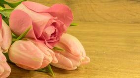 Bouquet des roses et des tulipes Photos libres de droits