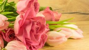 Bouquet des roses et des tulipes Photographie stock