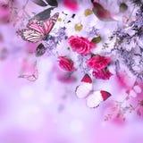 Bouquet des roses et du papillon sensibles Image libre de droits