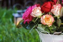 Bouquet des roses, réception en plein air Photo libre de droits