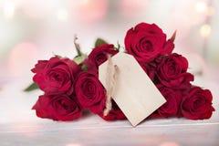 Bouquet des roses rouges dans le style de vintage Photographie stock libre de droits