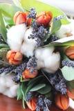 Bouquet des tulipes, eucalyptus, lavande Photo stock