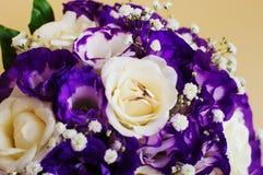 Bouquet et boucles de mariage Photos stock