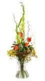 Bouquet floral des roses et du glaïeul d'isolement sur le backgrou blanc Photo stock