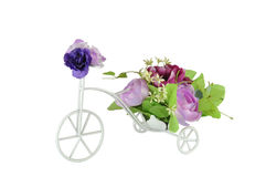 Bouquet floral sur la bicyclette Photographie stock