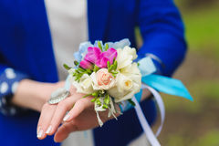 Bouquet on his hand bridesmaids Royalty Free Stock Photo