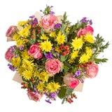 Bouquet jaune et rose de fleurs d'isolement sur le blanc Photographie stock