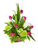 Bouquet lumineux de fleur dans le panier Photo libre de droits