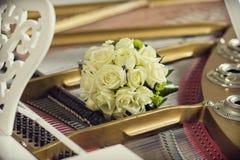 Bouquet nuptiale des roses images libres de droits