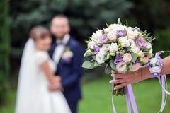 Bouquet nuptiale Scène unfocused brouillée d'un tir de photo de mariage photographie stock
