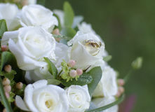Bouquet and rings Royalty Free Stock Images