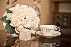 Bouquet and rings. Royalty Free Stock Photos