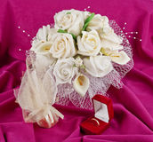 bouquet and rings for Valentine\'s Day Stock Photography