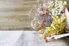 Bouquet sec de wildflowers Photographie stock