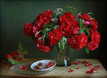 Bouquet. Still life with bouquet of climbing roses Royalty Free Stock Images