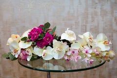 Bouquet sur un support en verre Images stock